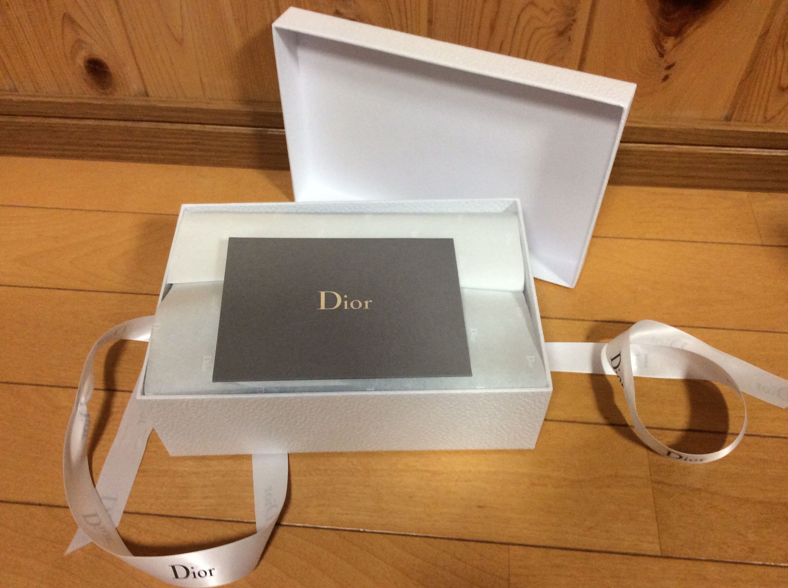 Dior ギフトボックス
