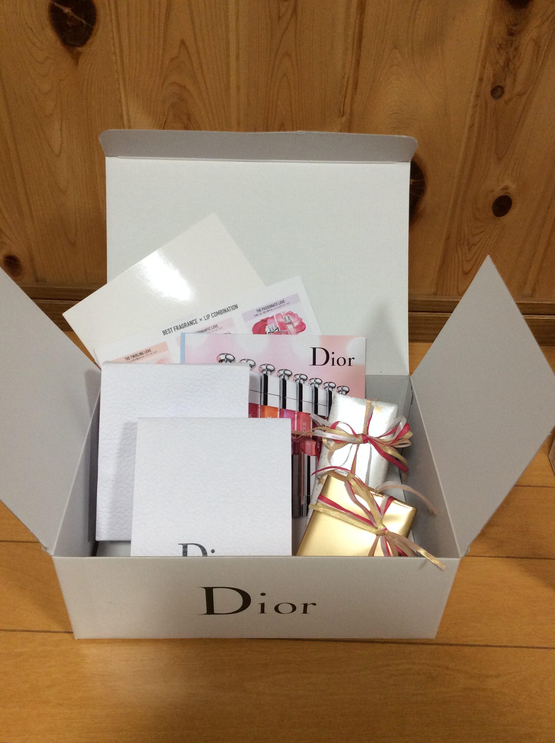 Dior ギフトボックス プランプフィラー カプチュールユース ギフトラッピング
