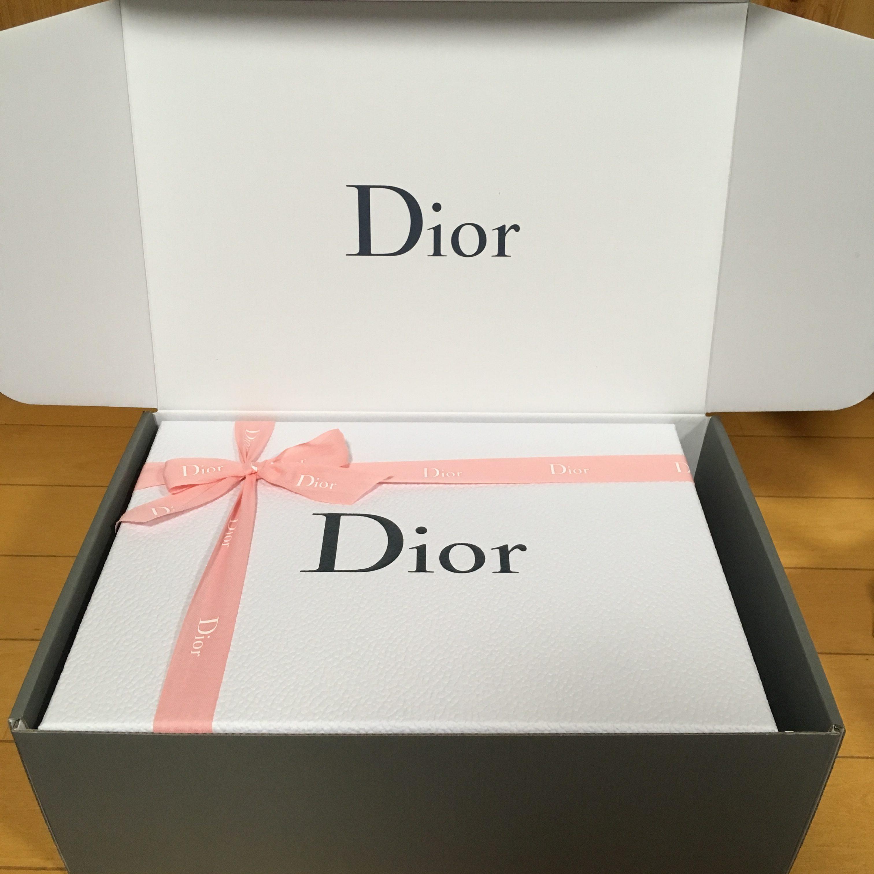 Dior ディオール オンラインブティック バレンタイン ギフト ラッピング リボン ピンク