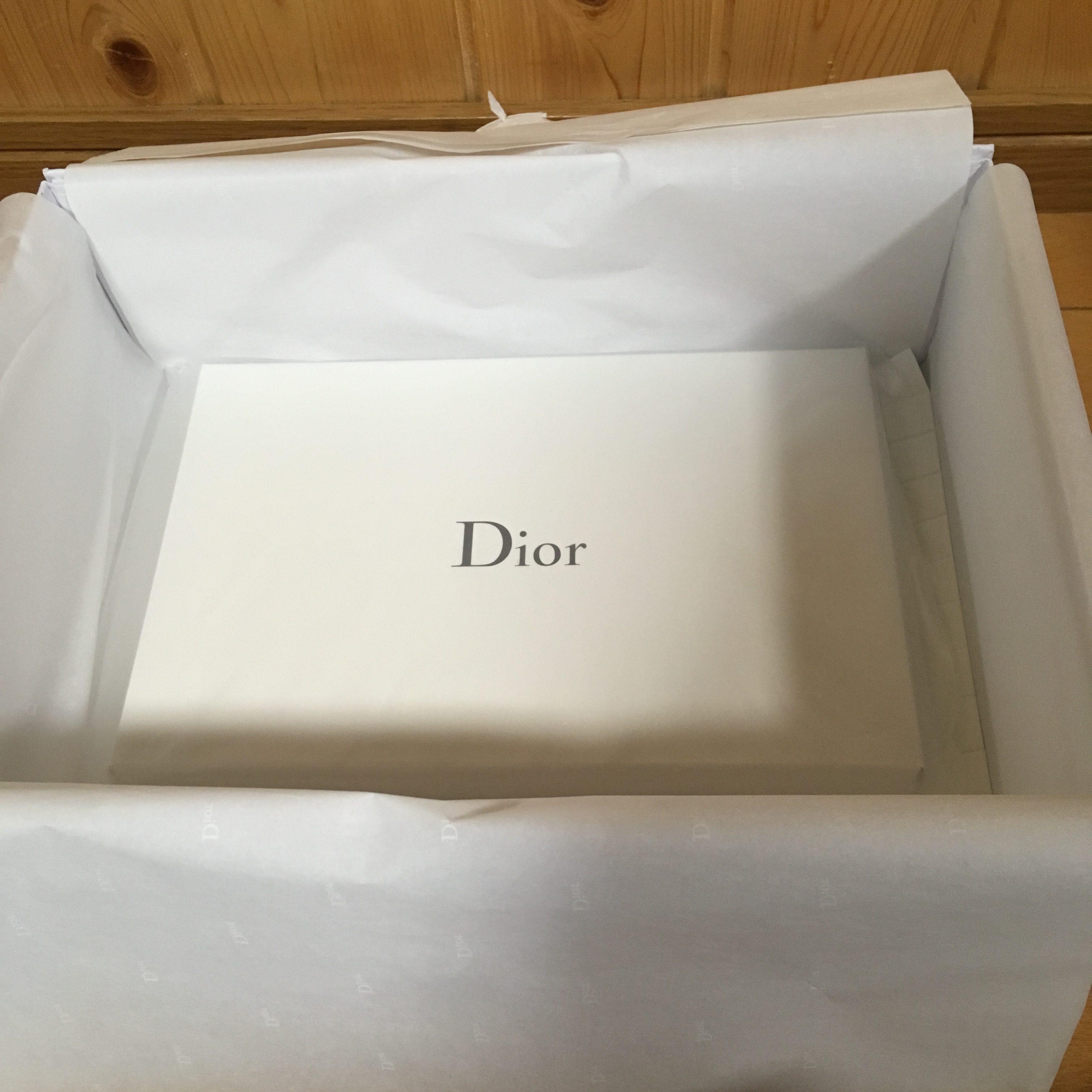 Dior ディオール ノベルティ ポーチ オンラインブティック ギフトラッピング
